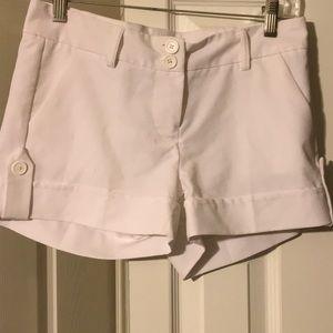 White shorts Small